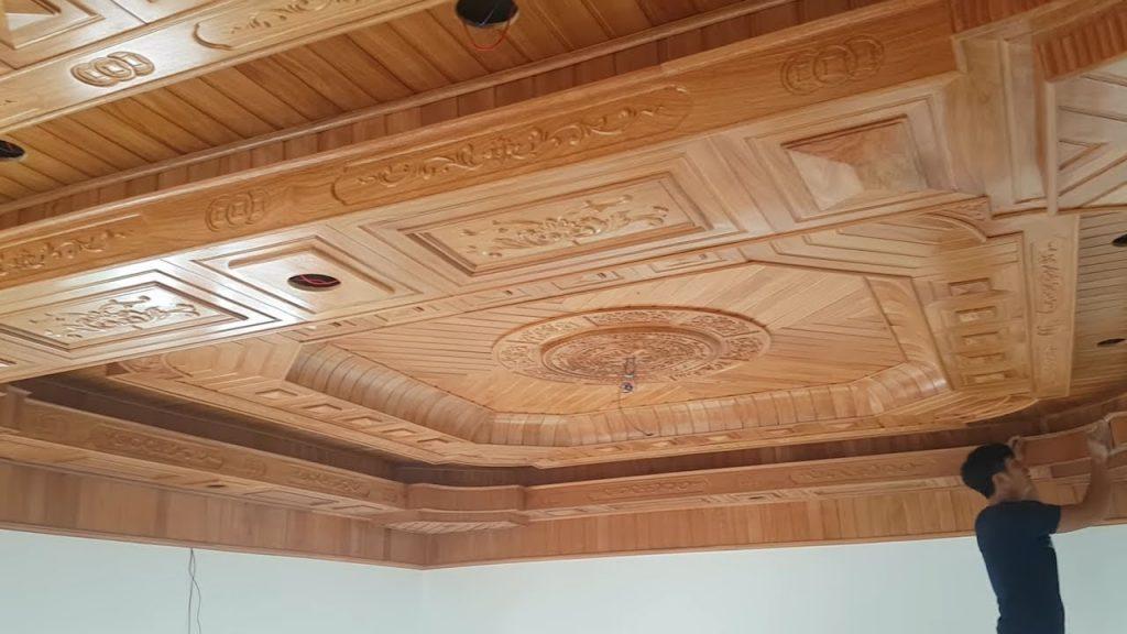 thi công trần gỗ xoan