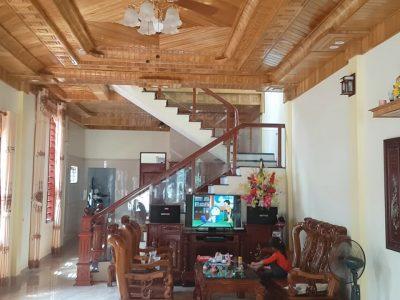 thi công trần nhà gỗ dổi